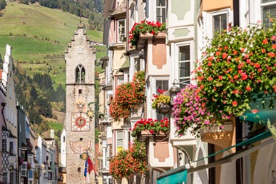 Flowers on the houses of Vipiteno