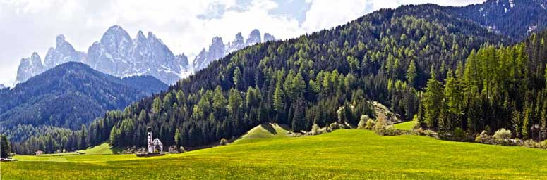 The Isarco valley: peaks and meadows in an exclusive combination