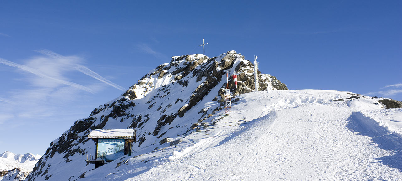 The summit of the highest slope in Val Senales in winter, covered with snow