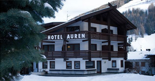 Foto invernale dell'Hotel Auren a S. Giovanni in Valle Aurina