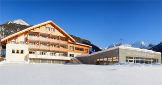 Natur Idyll Hotel Hochgall in Riva di Tures in winter time
