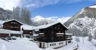 Spend your winter holidays at the Hotel Oberraindlhof in Senales Valley