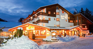 Winter holidays at the Hotel Pinei at Ortisei / Gardena valley