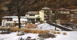 Night and winter picture of the Hotel Der Rierhof at Chiusa in Isarco valley