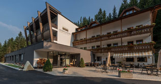 At Nova Levante is situated the Hotel Rosengarten
