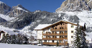 Hotel Villa Eden in Corvara surrounded by the Dolomites