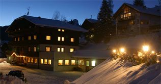 Night photo of the Pension Alcialc at La Valle / Wengen / La Val