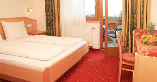 Picture of a double room at the pension Untermüllerhof in Maranza