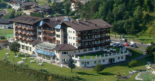 Summer holidays at the all'Hotel Diamant at S. Cristina Val Gardena