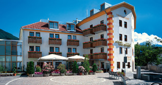 Hotel Engel**** in Schluderns im Sommer