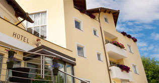 Hotel Kronplatz is located at Valdaora / Plan de Corones