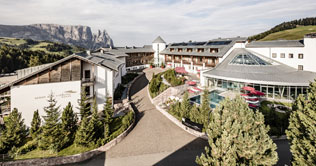 Wellnesshotel on the Alps of Siusi is the Hotel Urthaler