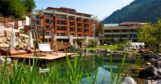 Sport & Wellness Resort Quellenhof e il lago
