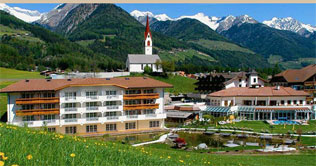 Wellness & Resorthotel Schwarzenstein in Luttach