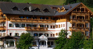 Wellness Hotel Corona is located at Al Plan at the foot of the Kronplatz