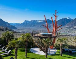 Hotel di design in alto adige comfort materiali naturali for Sudtirol boutique hotel