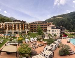 Hotel per famiglie alto adige per le vacanze con bambini - Hotel in montagna con piscina ...